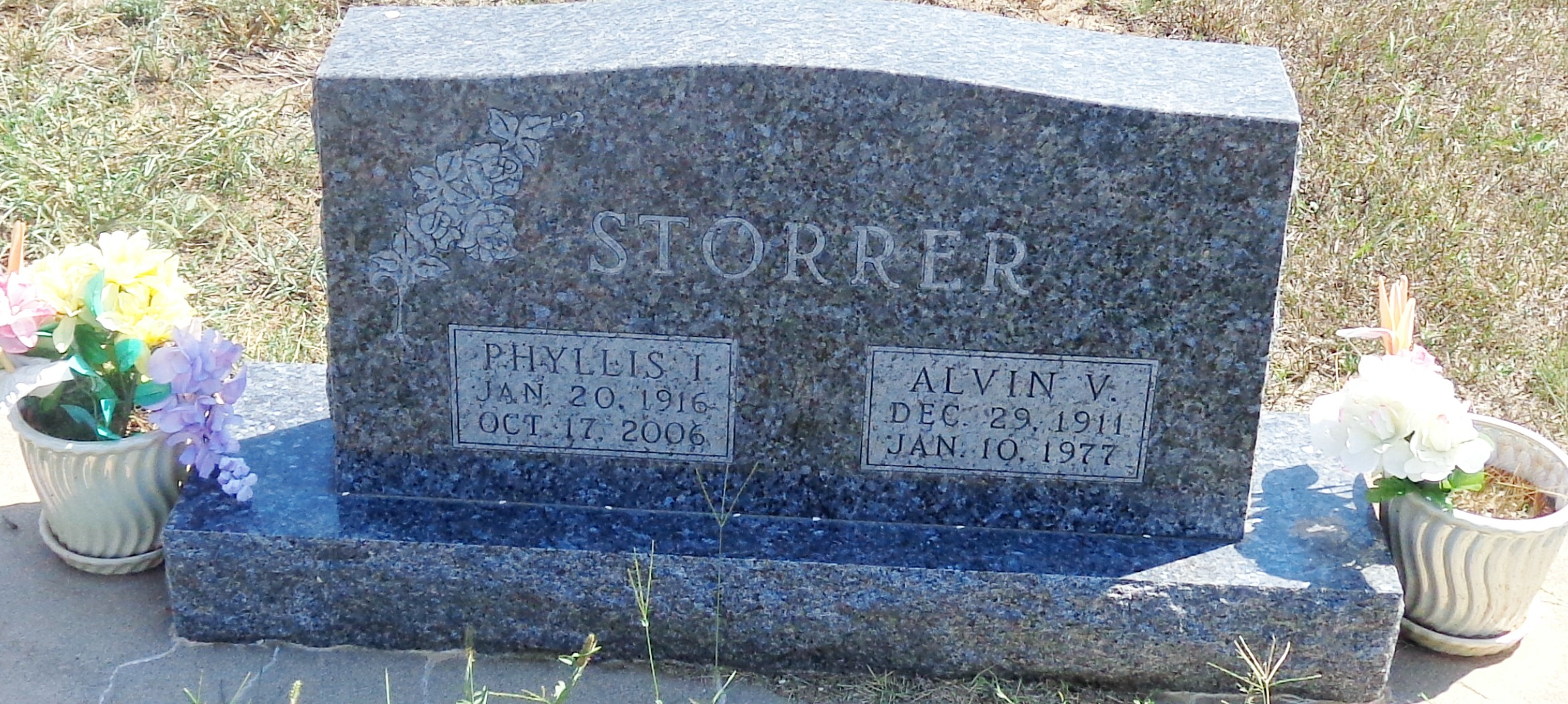 descendants of johannes bit htm phyllis married alvin v storrer scrapbook son of fred a storrer and lydia on 26 feb 1936 in wichita sedgwick co ks alvin was born about 1912 in ks